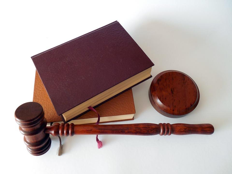 lawyers in Gandhinagar