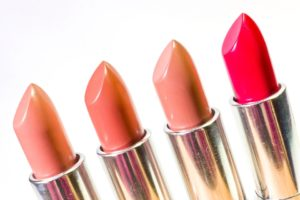 best lipstick brand in india for dry lips